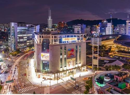 서울시, 청년에 '반값 임대점포'…DDP패션몰 10곳 개방