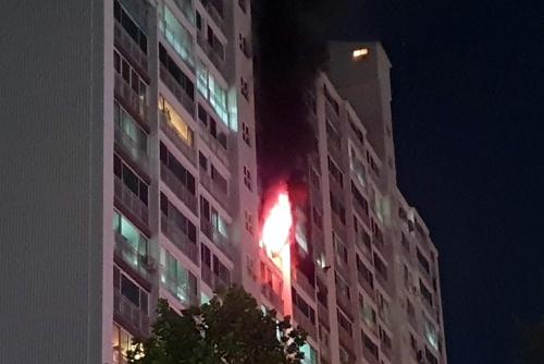 고양서 아파트 화재…7명 경상·70여 명 대피