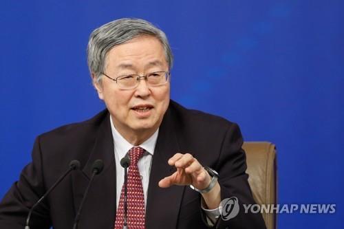 """中 저우샤오촨 """"무역문제, 경쟁적 통화 평가절하 초래"""""""
