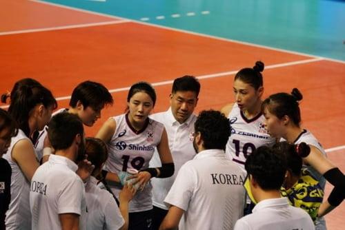 '김연경 23점' 한국, 일본 3-0으로 완파…VNL 9연패 부진 탈출
