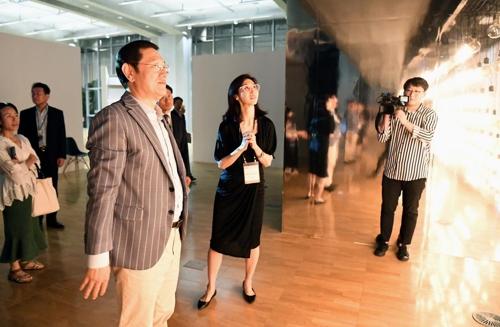 '미디어아트의 모든 것'…국제전자예술심포지엄 28일까지 열려