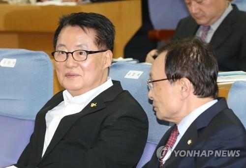 """박지원 """"황교안, 이회창의 길 가…대통령 흉내까지 닮은 꼴"""""""