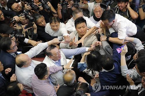 """""""홍콩, '범죄인 본토 압송법' 통과시 최소 GDP 30%에 충격"""""""