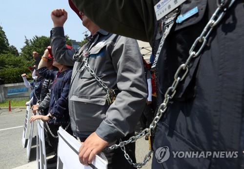 대우조선 현장실사 1일 차 무산…실사단, 노조 정문 봉쇄에 철수