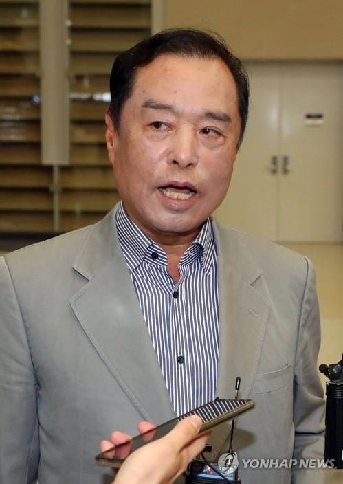 """김병준 """"정치 현실에서 발 빼기 쉽겠나""""…본격 정치행보 시사"""