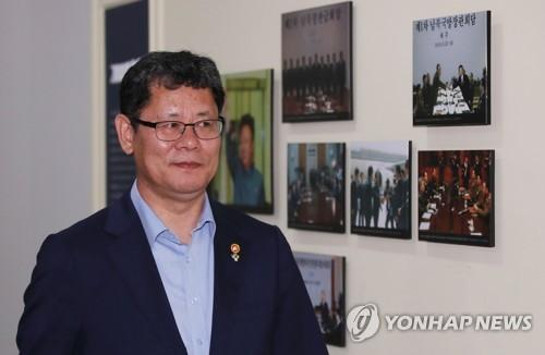 """김연철 """"北 어려운 식량상황 고려해 정부차원 선제적 지원 추진"""""""