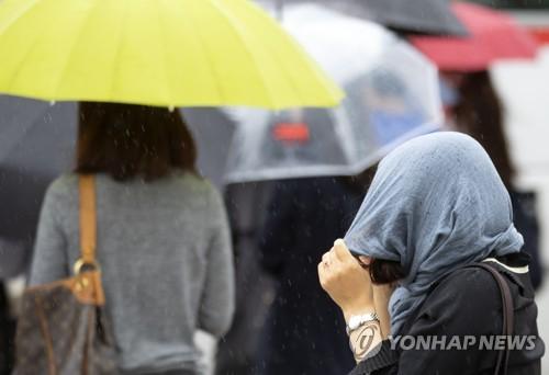 서울·경기 등 비 오다 오후에 그쳐…낮 최고 31도