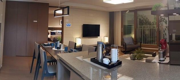 서울 신정동 '신정뉴타운 아이파크위브' 모델하우스에 전시된 견본 주택형.