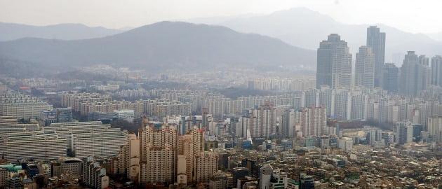 서울 강남의 아파트 단지들. 한경DB