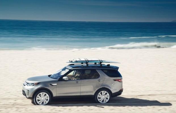 일본 제품 불매운동을 두고 수입차 업계가 발 빠른 대응에 나섰다. 재규어랜드로버코리아는 SUV 디스커버리 특별 할인에 들어간다.