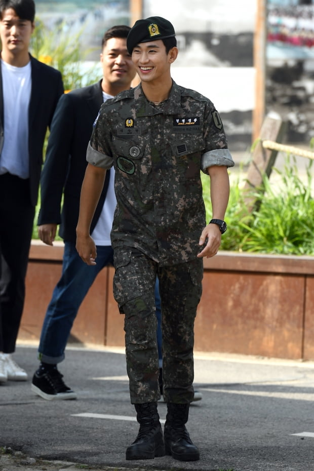 김수현 전역 /사진=변성현 기자