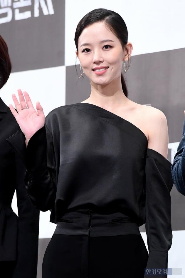 [포토] 강한나, '눈부신 보조개 미소~'
