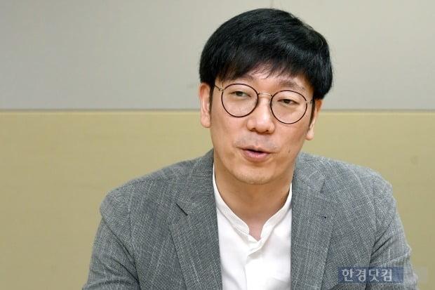 4일 한경닷컴과 인터뷰중인 김종협 아이콘루프 대표(사진=변성현 기자)