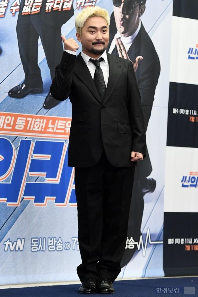 [포토] 유병재, '블랙 슈트 입고 멋지게~'
