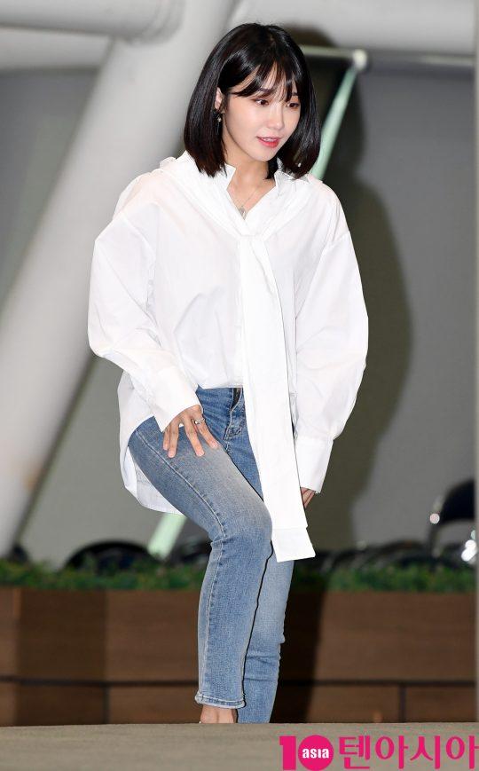 에이핑크 정은지가 1일 오전 서울 여의도 KBS 신관웨딩홀에서 열린 KBS 쿨FM 새 진행자 기자간담회에 참석하고 있다.