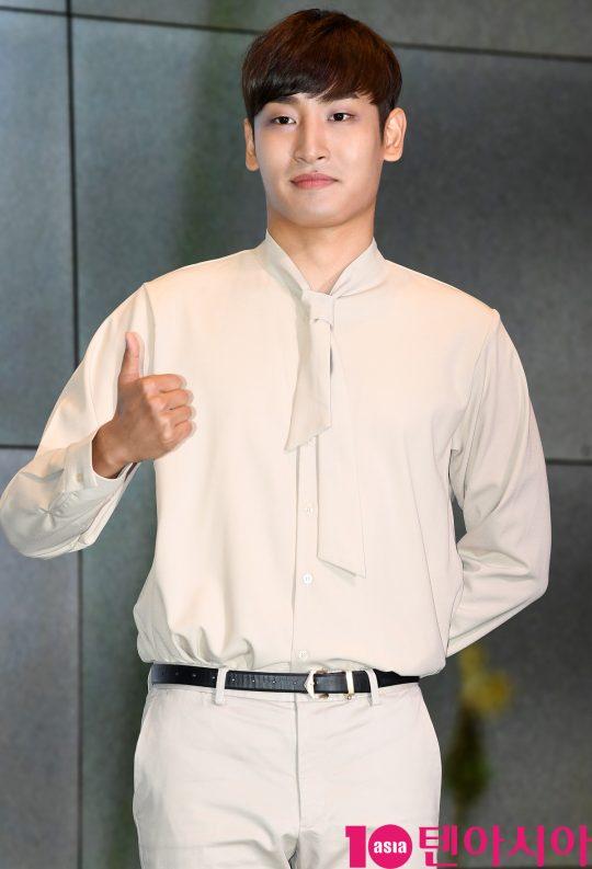 가수 박재정이 1일 오후 서울 삼성동 슈피겐홀에서 열린 미니2집 '노랫말' 쇼케이스에 참석하고 있다.