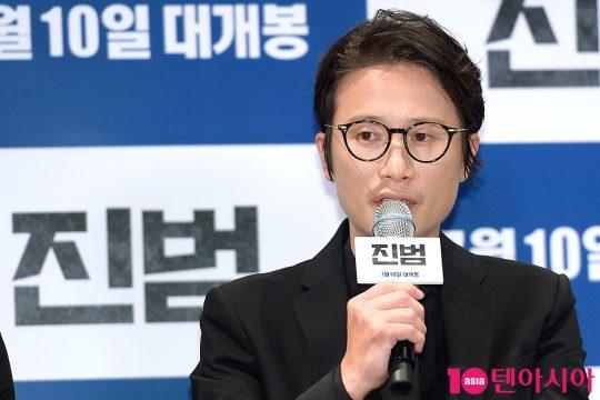 아내 살인사건의 진범을 찾기 위해 사투하는 영훈 역의 배우 송새벽. /서예진 기자 yejin@