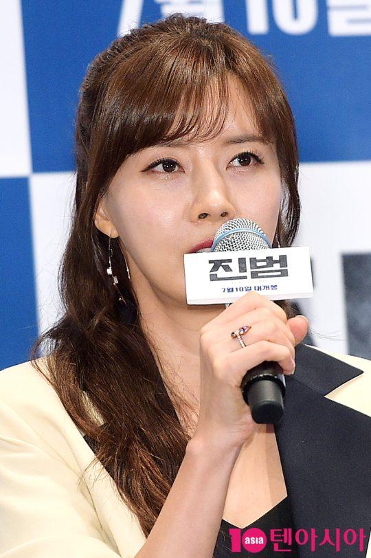 용의자가 된 남편의 무죄를 입증하려는 다연 역의 배우 유선. /서예진 기자 yejin@