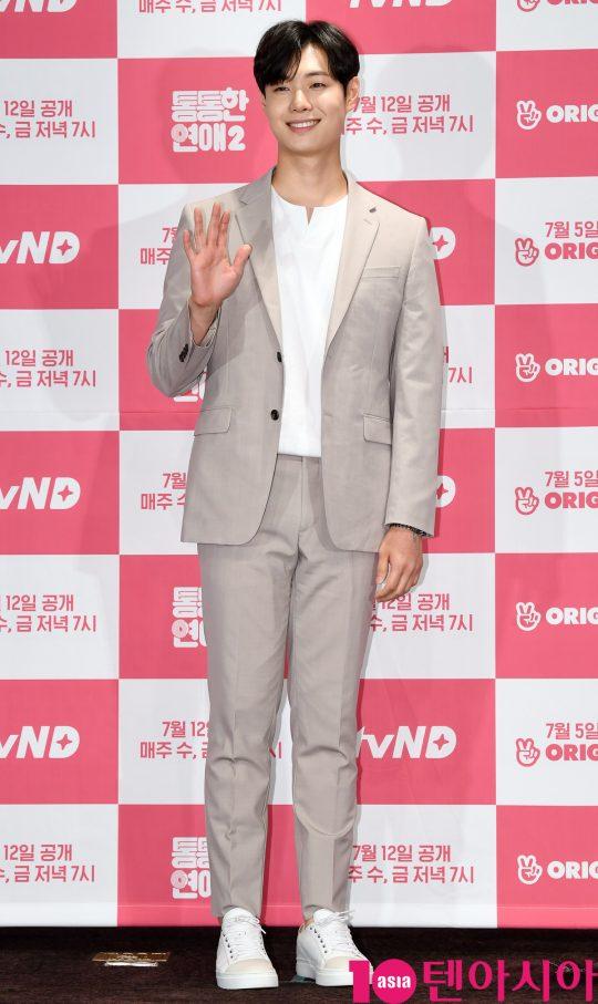 그룹 허니스트 출신의 김철민이 4일 오후 서울 여의도 켄싱턴호텔에서 열린 tvN D의 새 웹드라마 '통통한 연애2' 제작발표회에 참석하고 있다.