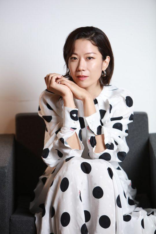 '비스트'의 이정호 감독과 기싸움 아닌 기싸움을 펼쳤다는 배우 전혜진./ 사진제공=NEW