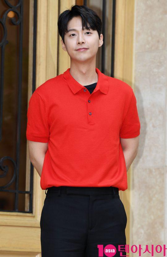 배우 임현수가 5일 오후 서울 역삼동 라움에서 열린 MBC 수목드라마 '봄밤' 종방연에 참석하고 있다.