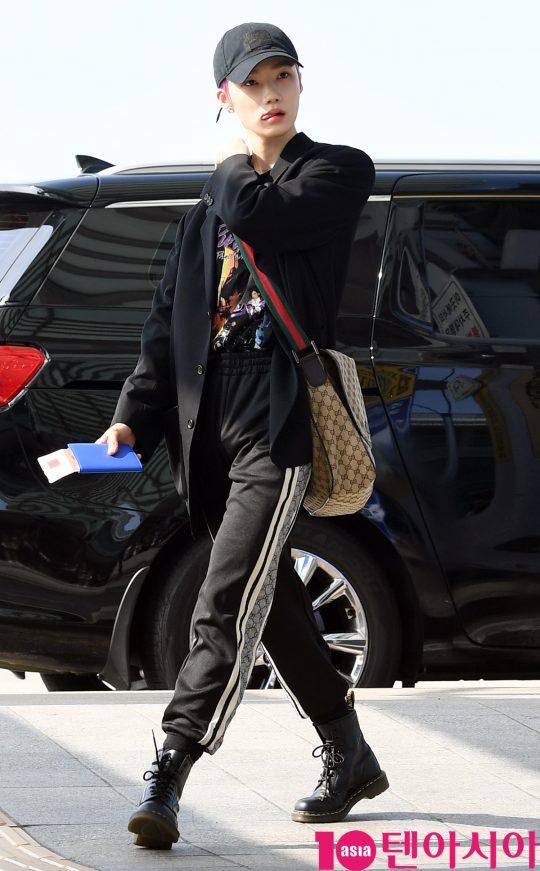 그룹 더보이즈 뉴가 5일 오전 '케이콘 2019 뉴욕' 참석차 인천국제공항을 통해 미국 뉴욕으로 출국하고 있다.