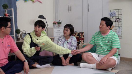 '옥탑방의 문제아들'에 출연한 광희(왼쪽에서 두 번째). /사진제공=KBS2
