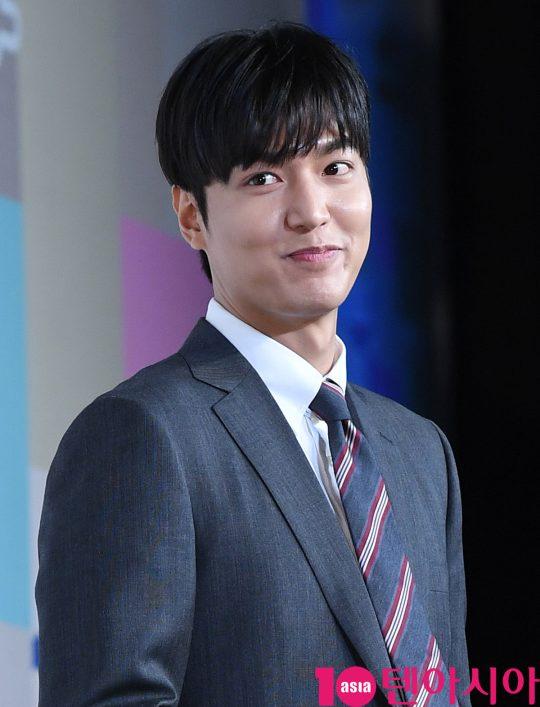 배우 이민호가 9일 오전 서울 태평로2가 더플라자호텔에서 열린 세종학당 홍보대사 위촉식에 참석하고 있다.