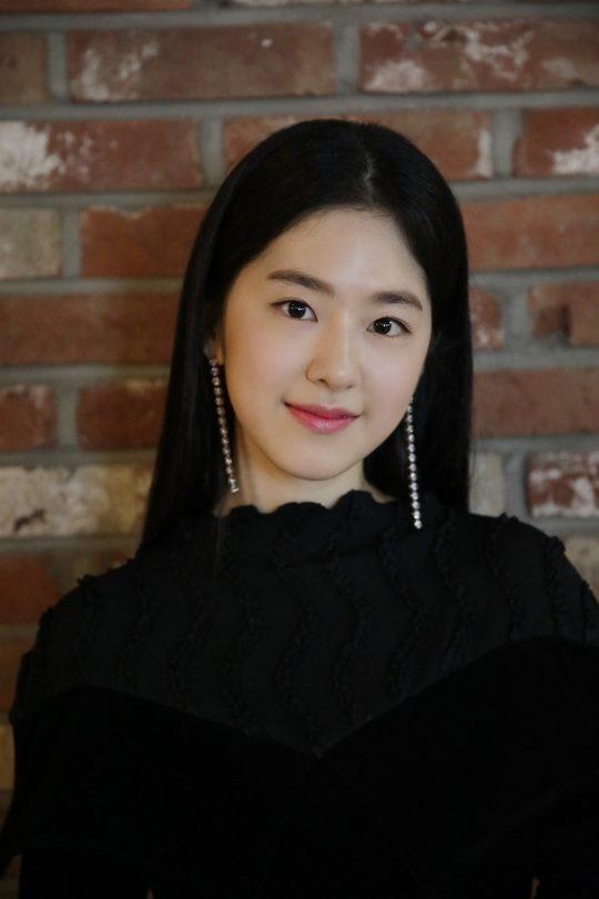 '별 헤는 밤' 시낭송자로 참여하는 배우 박혜수, / 사진 제공 = 화이브라더스코리아