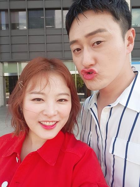 김원효, '연예가중계'서 아내 바보 면모 뽐낸다…연예계 대표 워너비 부부 등극