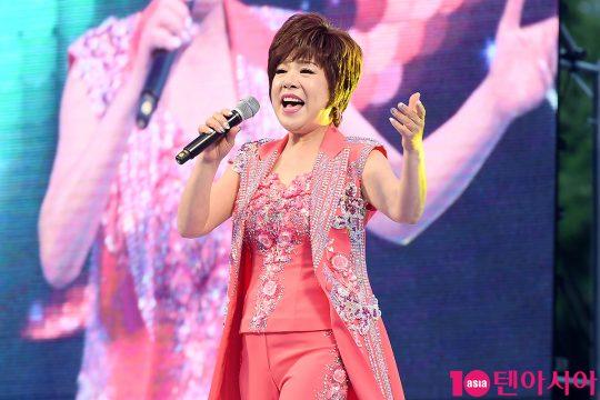 가수 김연자