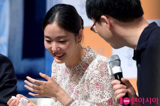 배우 김고은