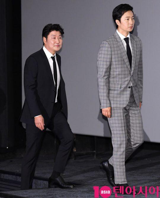 배우 송강호와 박해일이 15일 오후 서울 강남구 삼성동 메가박스 코엑스에서 열린 영화 '나랏말싸미' 언론시사회에 참석하고 있다.