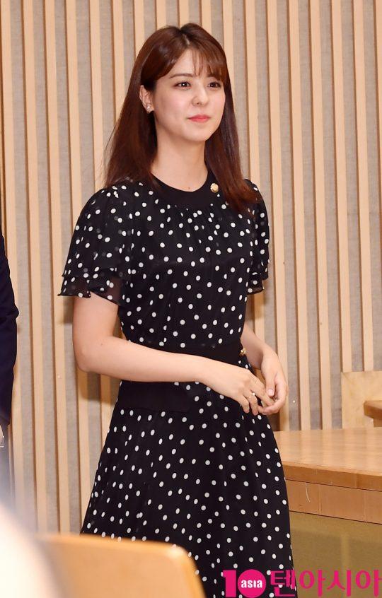 배우 후지이 미나가 16일 오후 서울 양천구 목동 SBS 사옥에서 열린 SBS 새 수목드라마 '닥터탐정' 제작발표회에 참석하고 있다.