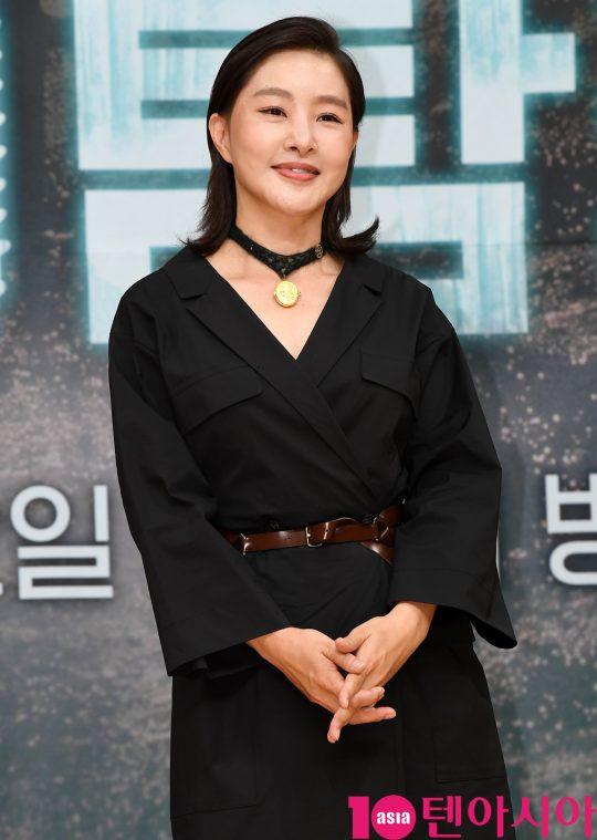 배우 박지영이 16일 오후 서울 양천구 목동 SBS 사옥에서 열린 SBS 새 수목드라마 '닥터탐정' 제작발표회에 참석하고 있다.