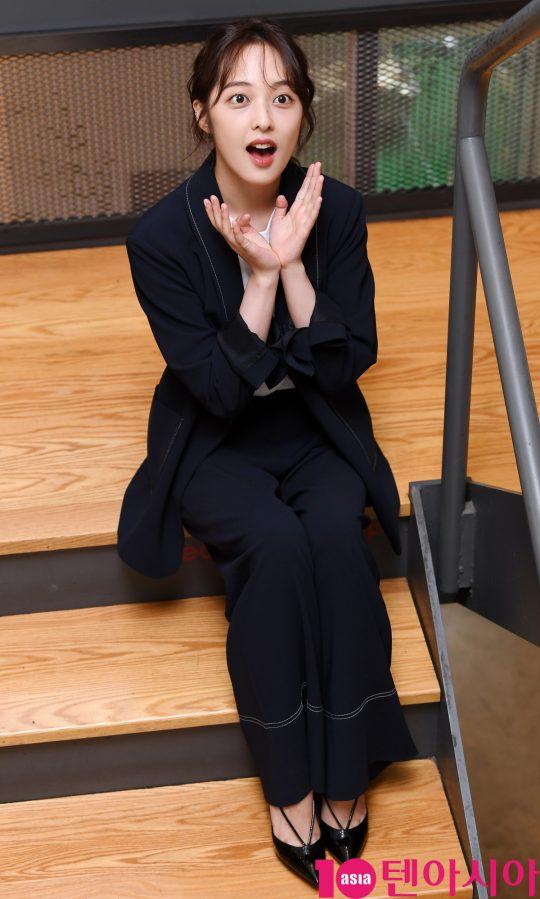 영화 '굿바이 썸머' 에서 열연한 김보라가 17일 서울 삼청동 한 카페에서 텐아시아와 인터뷰하고 있다.