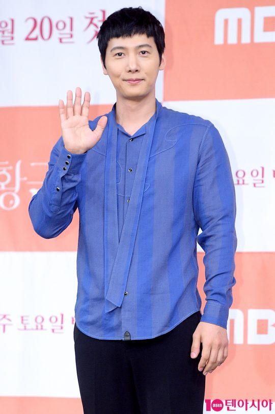 배우 이상우가 19일 오후 서울 상암동 MBC 골든마우스홀에서 열린 새 주말드라마 '황금정원' 제작발표회에 참석했다.  /서예진 기자 yejin@