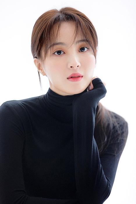 정혜성, tvN 새 금요드라마 `쌉니다, 천리마마트` 여주인공 캐스팅 확정