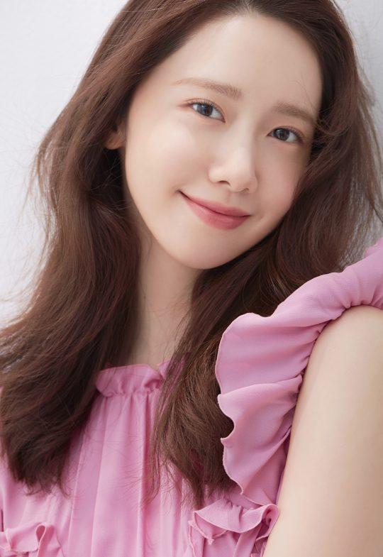 영화 '엑시트'에서 연회장 부점장으로 퍽퍽한 회사 생활을 하는 의주 역의 배우 임윤아. /사진제공=SM엔터테인먼트