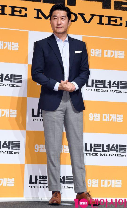 배우 김상중이  29일 오전 서울 신사동 압구정 CGV에서 열린 영화 '나쁜 녀석들:더 무비' 제작보고회에 참석하고 있다.