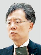 """김현종 訪美 중인데…美 """"한·일 경제갈등에 개입 않겠다"""""""