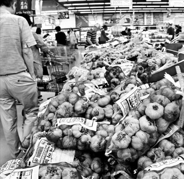 정부, 마늘 1.5만t 추가 수매