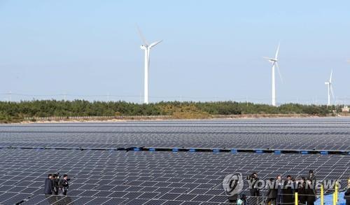 새만금 태양광발전 덕에 재생에너지 투자매력국 순위 7계단 '쑥'