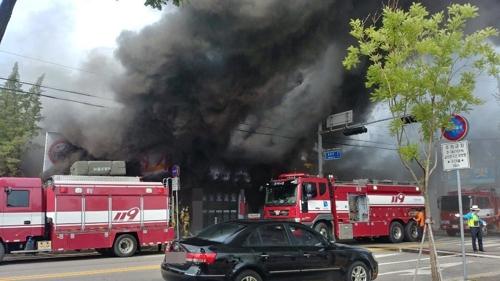 김포 사우동 음식점서 불…8명 대피