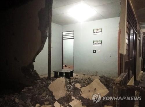 인니 몰루카제도 규모 7.3 지진에 가옥파손…쓰나미 경보 없어(종합)