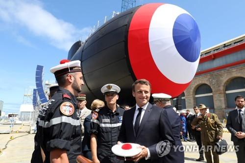 프랑스, 혁명기념일 열병식서 유럽 자체방어 의지 과시한다