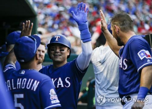 추신수, 이틀 연속 선두 타자 홈런…시즌 15호