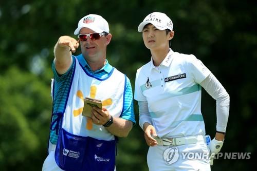 '18번홀 끝내기 버디' 박성현, LPGA 시즌 2승…세계 1위 탈환