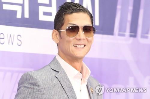 1세대 걸그룹 파워…'캠핑클럽' 1천만뷰