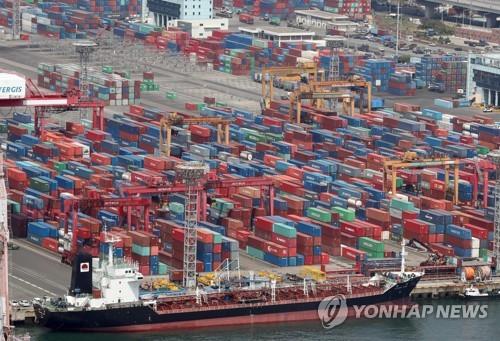 """정부 """"수출·투자 부진한 흐름 지속""""…4개월째 '부진' 진단(종합)"""